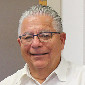 Gil Saenz
